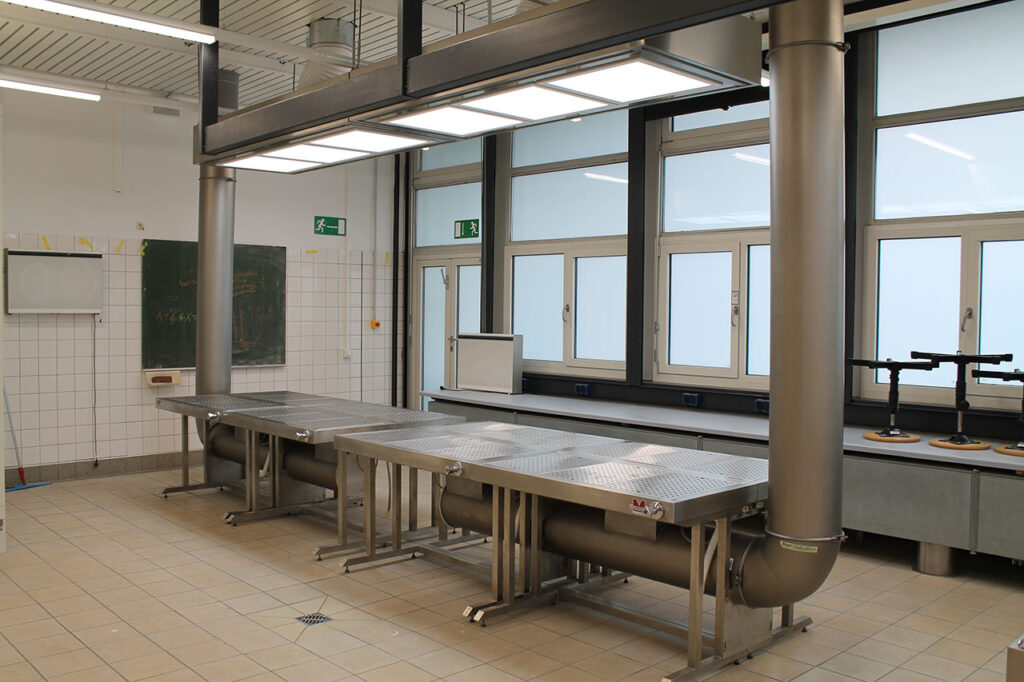 Organ dissecting tables with downdraft extraction for students. With LED illumination.